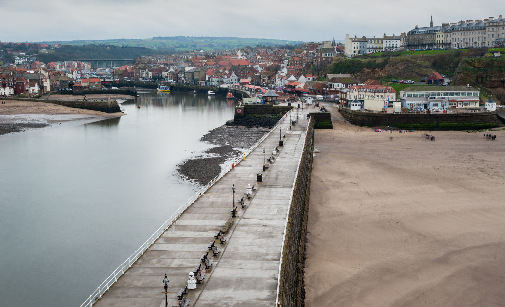view from a lighthouse, whitby (ref yo 93)