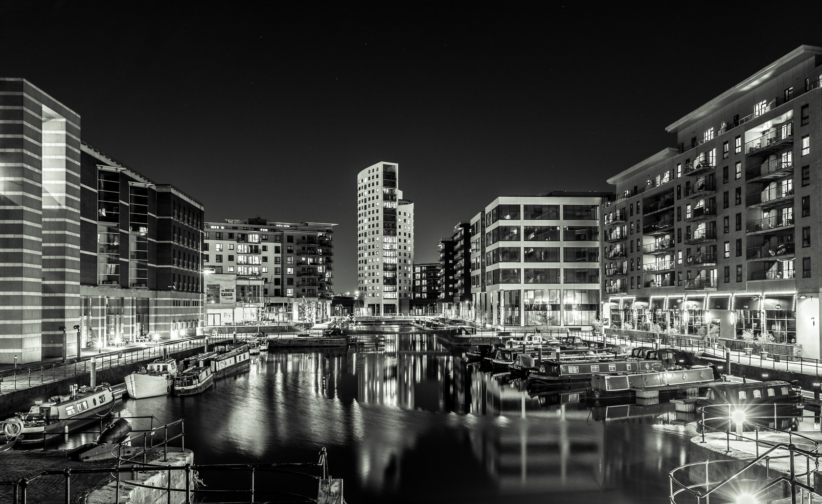 leeds dock at night (ref can 34) 