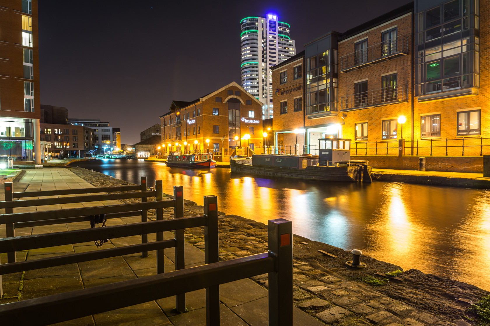 granary wharf, leeds (ref can 3) 