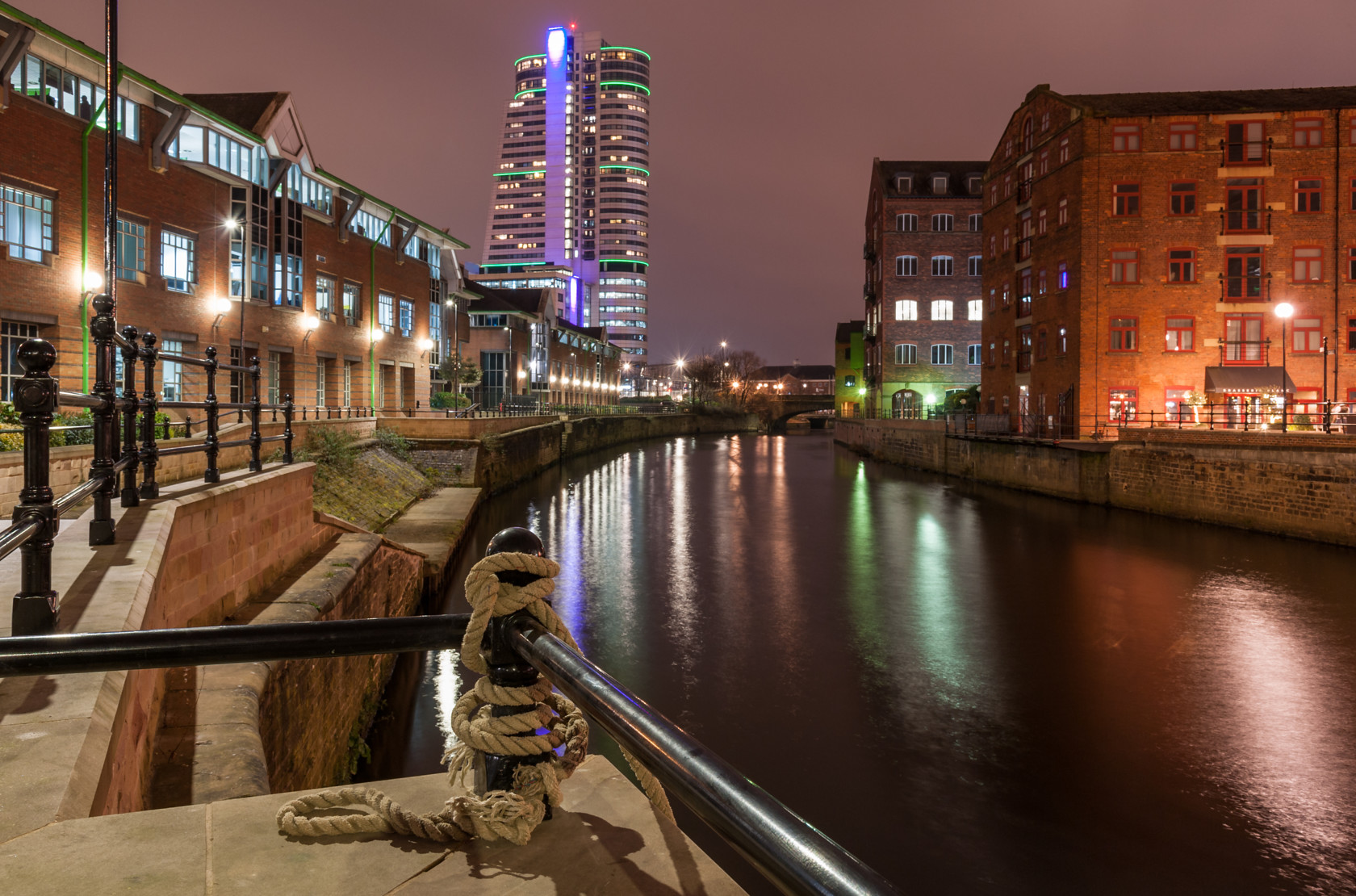 cold night in leeds (ref yo 250) 